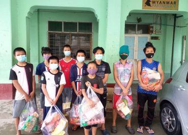 Lebensmittelspenden für Mandalay